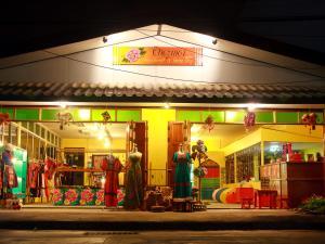 Chezmoi Handicraft and Homestay, Гостевые дома  Чианграй - big - 1