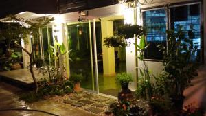 Baan Jaru, Гостевые дома  Чианграй - big - 47