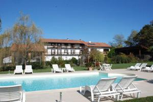 Nearby hotel : Agriturismo Fano's Farm