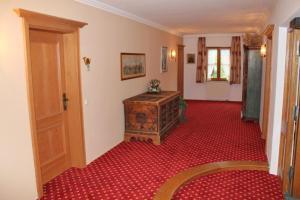 Hotel zur Post, Отели  Кохель-ам-Зее - big - 18