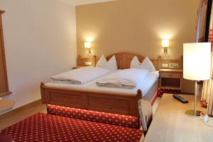 Hotel zur Post, Отели  Кохель-ам-Зее - big - 27