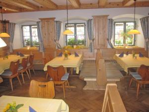 Hotel zur Post, Отели  Кохель-ам-Зее - big - 26