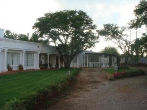 Heatherdale Guesthouse & Shuttle Services