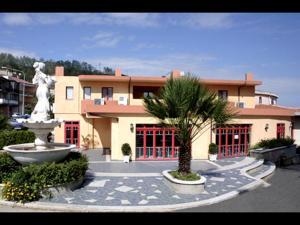 Hotel Castelmonardo