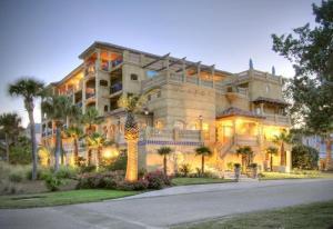 Ocean Lodge