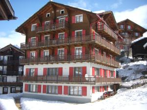 Anemone, Apartments  Saas-Fee - big - 1