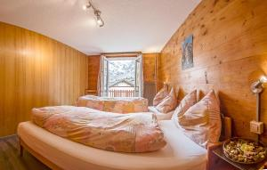 Anemone, Apartments  Saas-Fee - big - 16