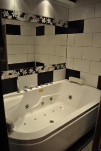 VIP Apartserg Apartment - фото 15