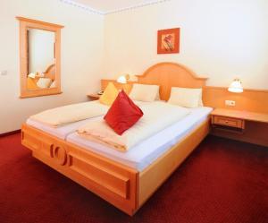 Ski in Ski out Hotel Unterellmau, Hotel  Saalbach Hinterglemm - big - 6