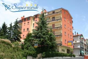 Nearby hotel : Hotel Supersonik
