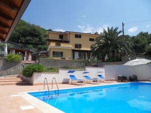 Nearby hotel : Casale Rondinella B&B