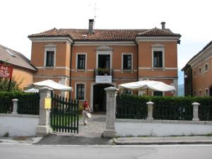 Nearby hotel : B&B Villa al Lago