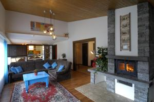 Haus Aristella, Apartments  Saas-Fee - big - 25