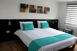 (Hotel Colombians Suite)