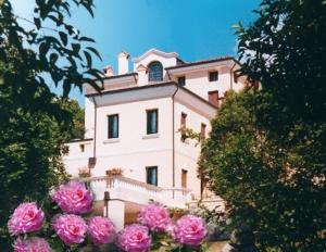 Nearby hotel : Villa Scalabrini