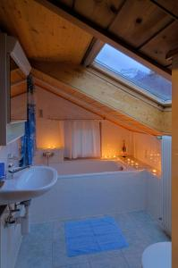 Haus Belle-Vue, Apartmány  Saas-Fee - big - 15