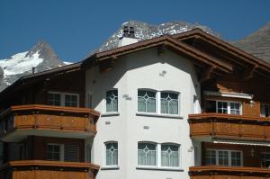 Haus Alpenglück, Ferienwohnungen  Saas-Fee - big - 7