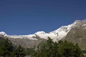 Haus Alpenglück, Ferienwohnungen  Saas-Fee - big - 9