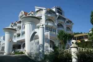 Тирана - Eklips Hotel
