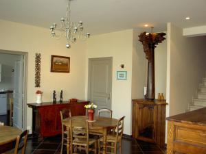 La Maison Du Coteau, Bed & Breakfast  Cachan - big - 24