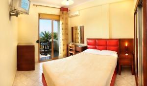 Vergos Hotel, Апарт-отели  Вурвуру - big - 39