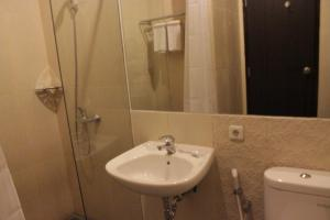 Hotel Alpha Makassar, Hotely  Makassar - big - 32