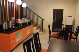 Hotel Alpha Makassar, Hotely  Makassar - big - 39