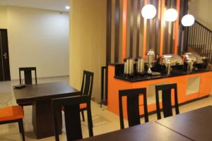 Hotel Alpha Makassar, Hotely  Makassar - big - 35