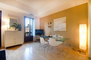 Friendly Rentals Deluxe Paseo de Gracia, Apartmány  Barcelona - big - 3
