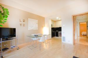 Friendly Rentals Deluxe Paseo de Gracia, Apartmány  Barcelona - big - 2