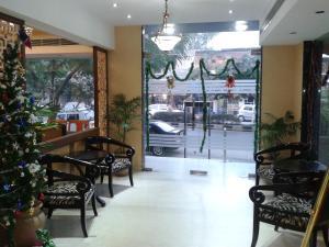 Hotel Athena, Отели  Нью-Дели - big - 26