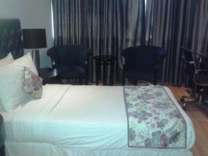 Hotel Athena, Отели  Нью-Дели - big - 24