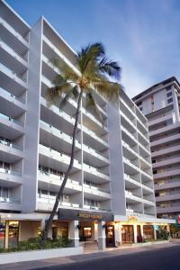 Nearby hotel : Outrigger Regency on Beachwalk