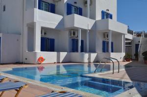 Cyclades Hotel(Karterados)