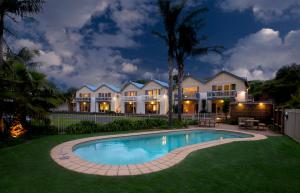Boathouse Resort Studios & Suites