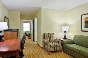 Country Inn & Suites by Radisson, Peoria North, IL, Hotels  Peoria - big - 3