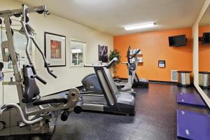 Country Inn & Suites by Radisson, Peoria North, IL, Hotels  Peoria - big - 26