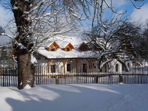 Pension Klokočí, Penzióny  Sněžné - big - 61