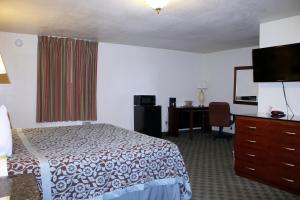 Econo Lodge Inn & Suites Tyler, Hotels  Tyler - big - 2