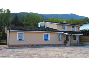 Guest House Pri Gondoli - Accommodation - Mariborsko Pohorje
