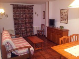 Apartamentos Petronilla, Apartmány  Benasque - big - 7