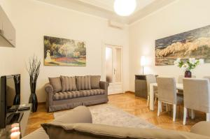 Nearby hotel : Milan Royal Suites - Magenta Palace