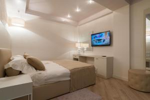 Villa Adriano, Hotely  Estosadok - big - 36