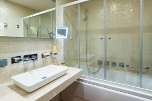 Villa Adriano, Hotely  Estosadok - big - 27