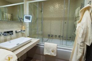 Villa Adriano, Hotely  Estosadok - big - 26