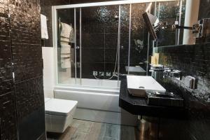 Villa Adriano, Hotely  Estosadok - big - 23