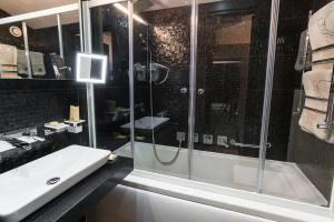 Villa Adriano, Hotely  Estosadok - big - 19
