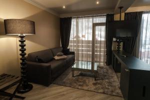 Villa Adriano, Hotely  Estosadok - big - 17