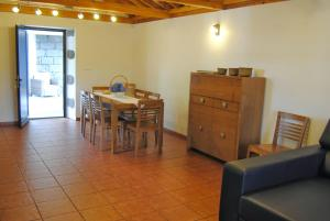 Casas Da Faja, Holiday homes  Praia do Norte - big - 15