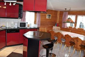 Chalet Marmottes, Chalets  Saas-Fee - big - 18